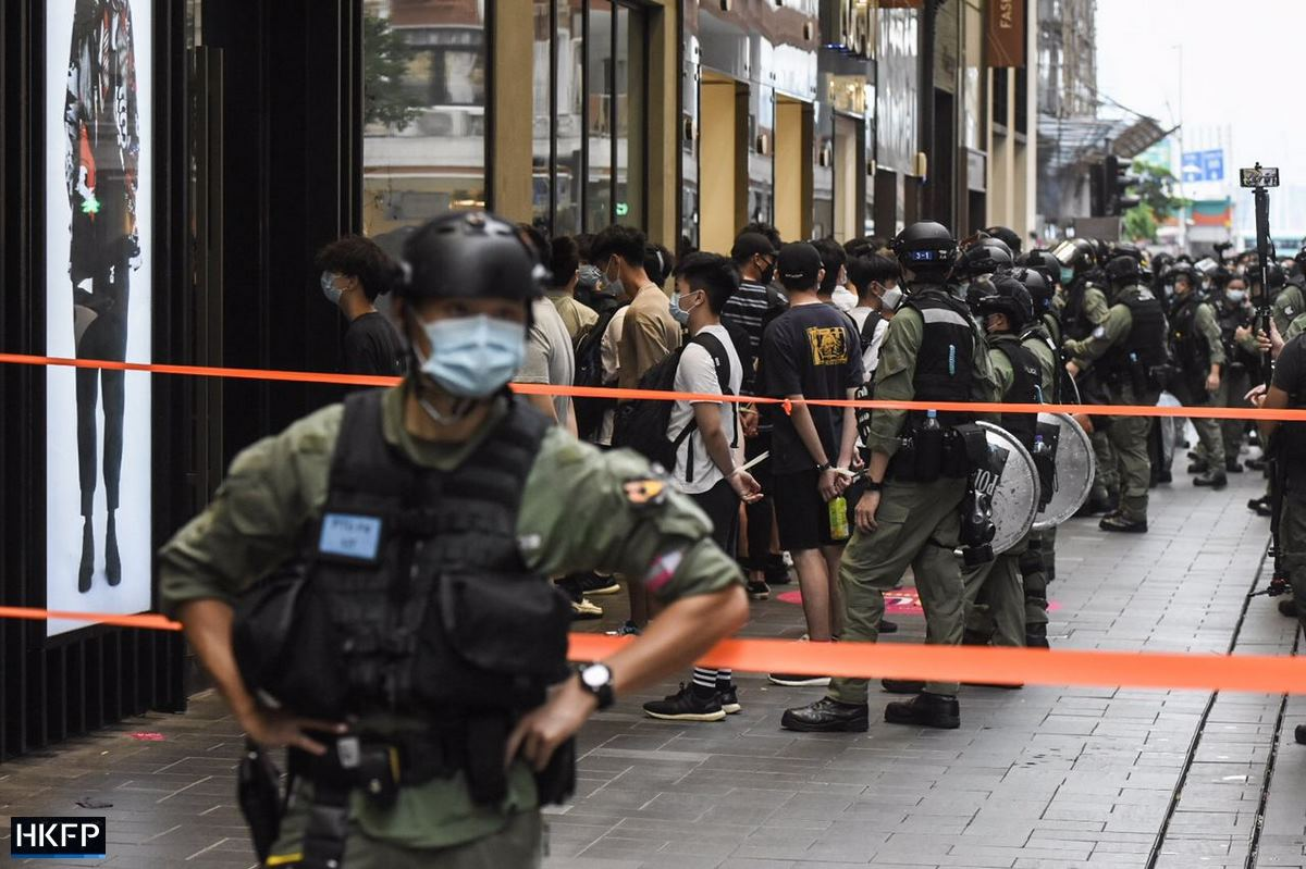 October 1 Police arrests cordon causeway bay
