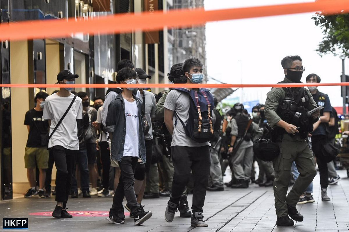 October 1 Police arrest cordon causeway bay