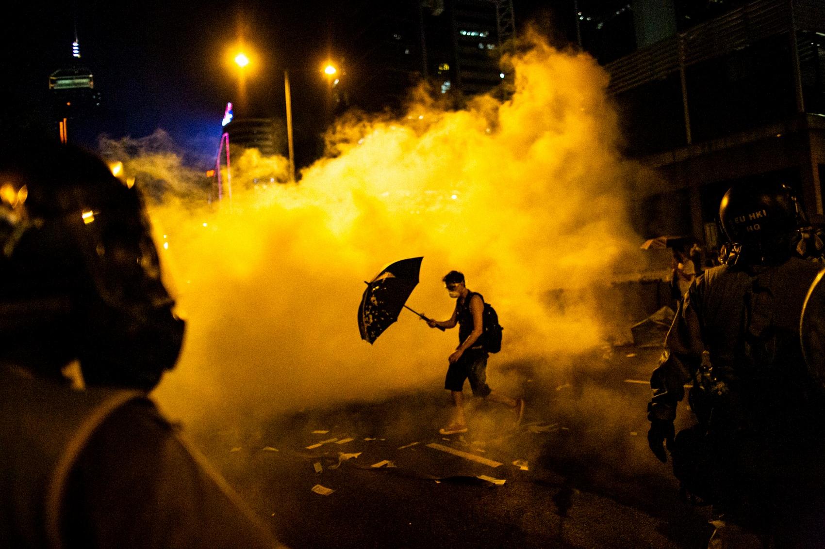 11_todd-r-sayang-dokumenter-fotografer-hong-kong-umbrella-movement-demokrasi-protes-hak asasi manusia (Salinan)