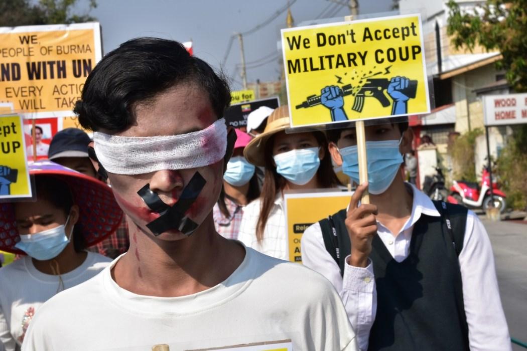 Myanmar memprotes kudeta 17 Februari 2021