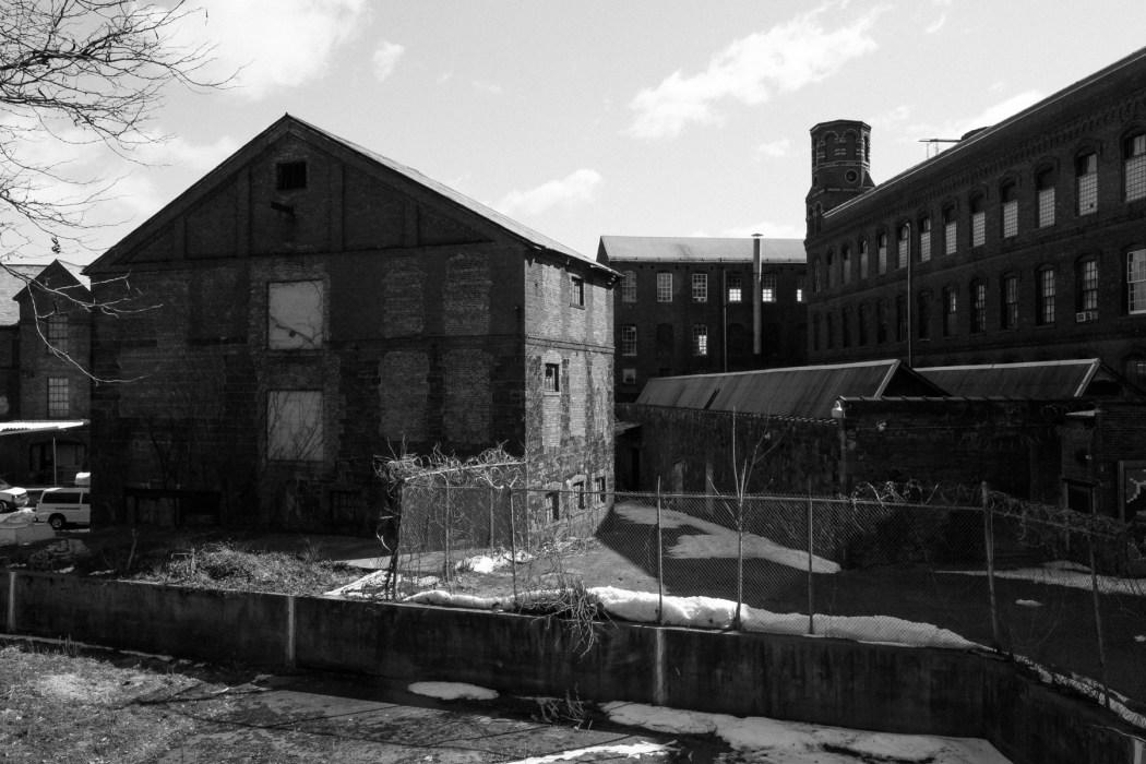 Kompleks Dolphin Mill - Spruce Street Todd sayang