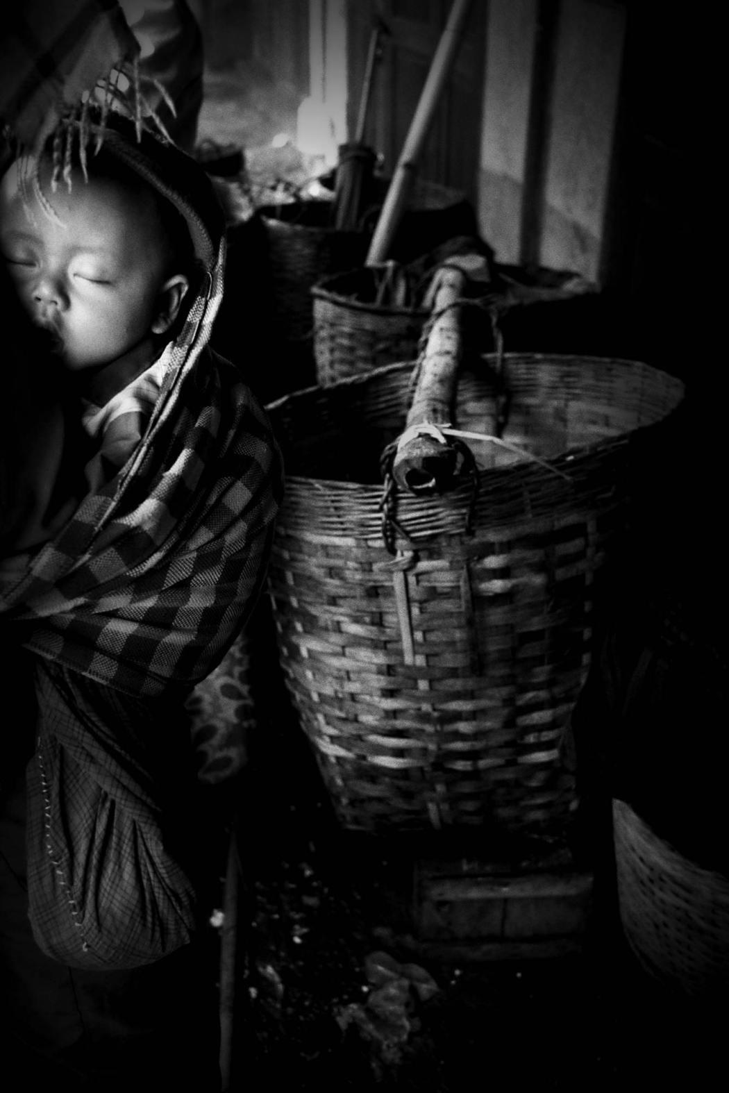 © Yasuhiro Ogawa, courtesy of Blue Lotus Gallery, 'untitled', Kalaw, Myanmar, 1994, [The Dreaming, pg 005]