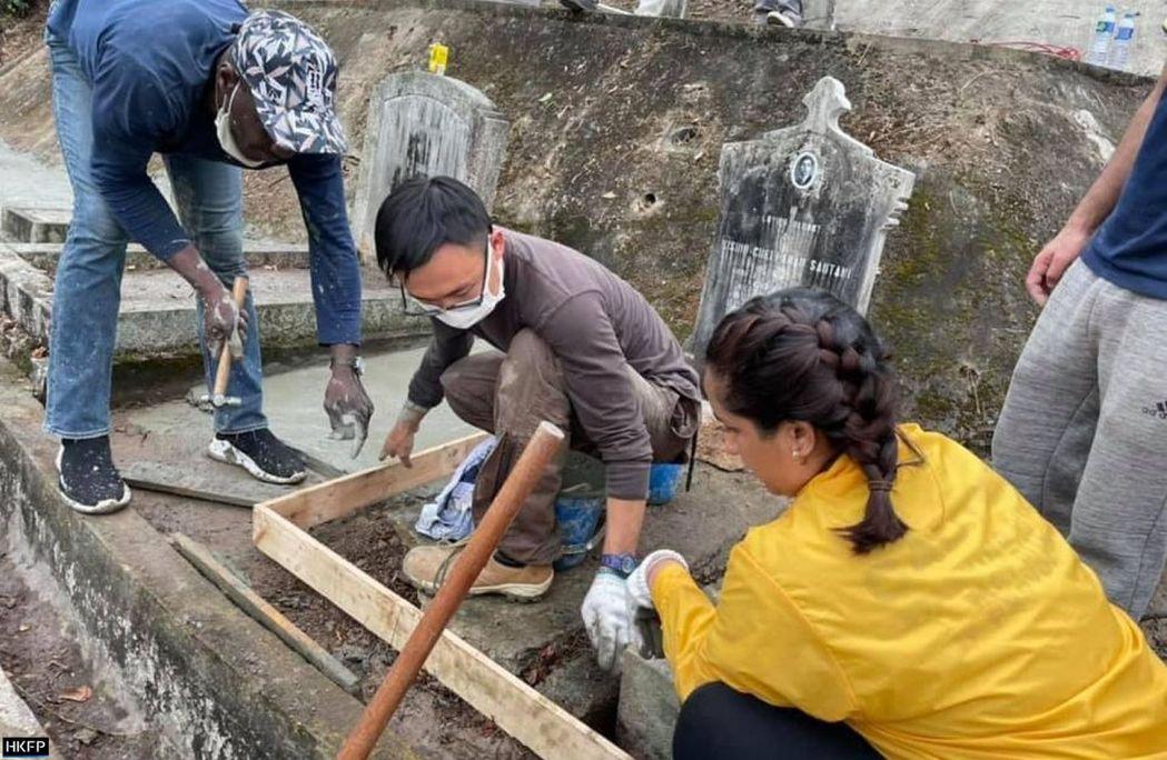 hindu graves hong kong (8)