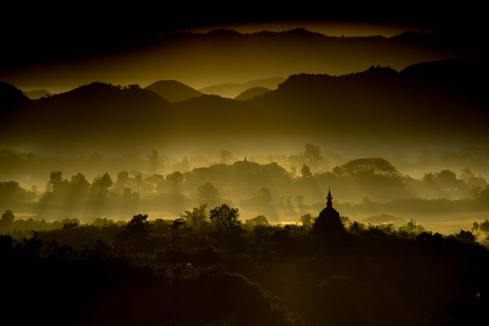 MYANMAR - MRAUKU - SUNRISE PAGODA