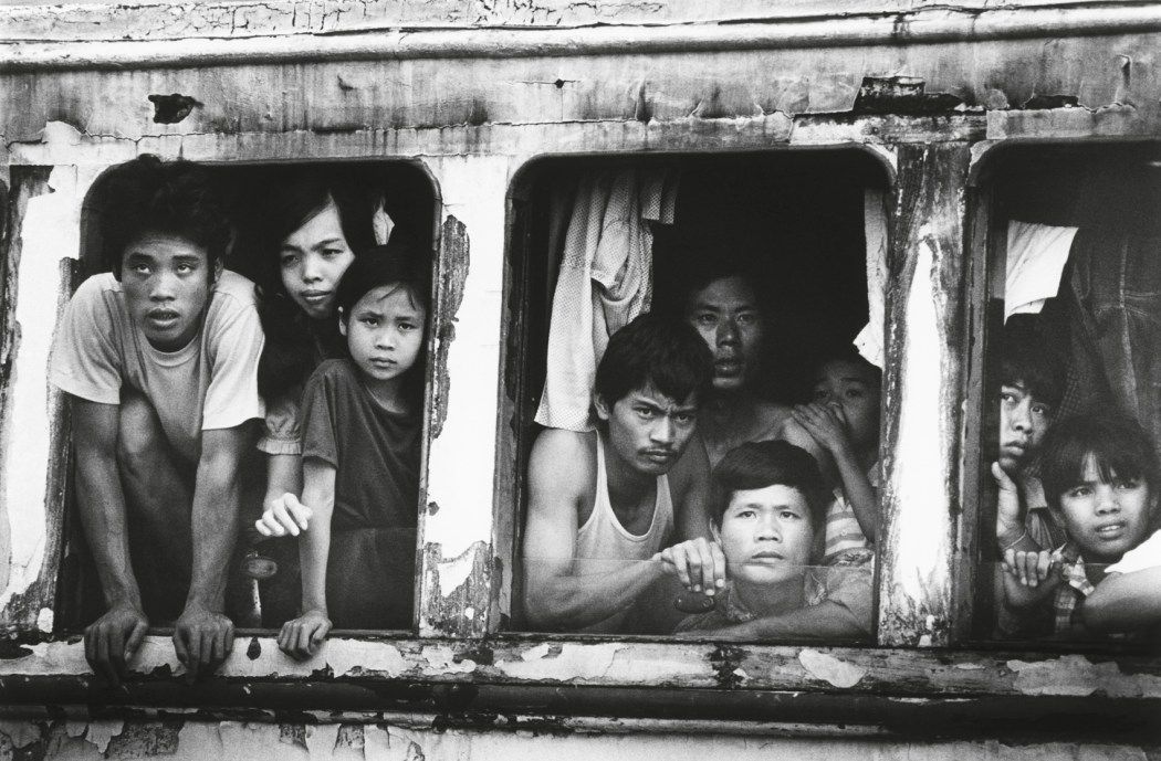 refugees vietnamese refugees immigrants boat people